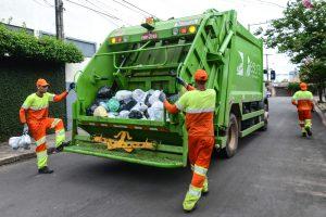 Lixo será recolhido 5ª-feira e sábado; na Sexta-feira Santa não haverá coleta