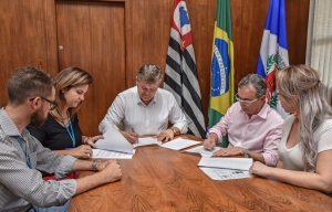 Prefeitura e BRK assinam parceria e empresa adota Praça São Benedito