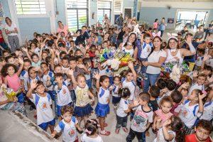 Fundo Social entrega mais de 20.000 ovos de chocolate