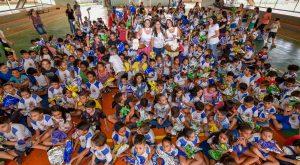 Mais de 20 mil crianças ganharam ovos de Páscoa do Fundo Social